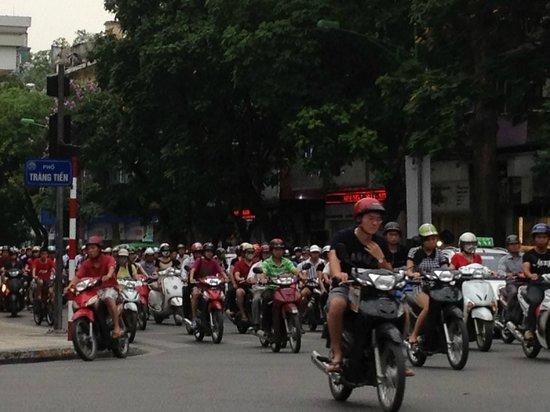 Hotel de l'Opera Hanoi: A view from any street corner