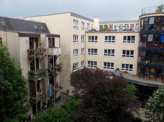 Superbude Hotel Hostel St.Pauli: Zimmeraussicht