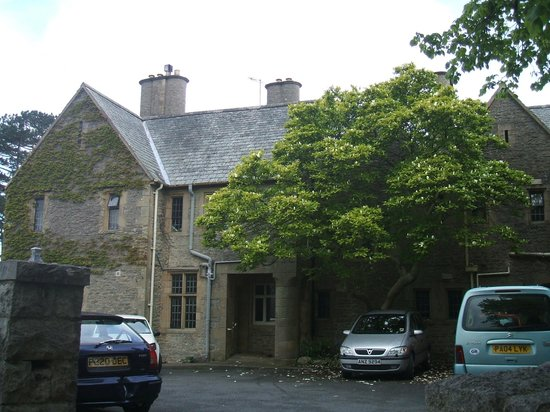 YHA Arnside: Hostel from the front