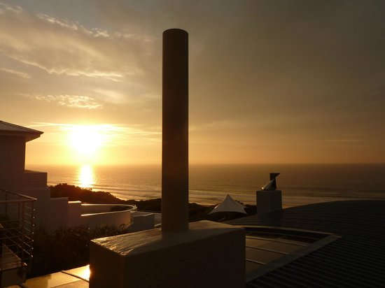 Periwinkle Guest Lodge: Sonnenuntergang