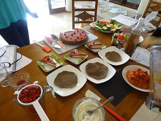 Raw Food Bali Culinary Classes: Pizza Crusts and Cheesecake