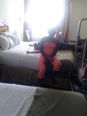 Holiday Inn Port St. Lucie: Nice size room.....