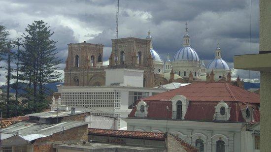 El Dorado Hotel: Vistas desde la escalera de accso