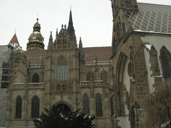 Catedral de Santa Isabel: The Cathedral and St. Michael's Chapel