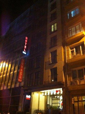 Faros Hotel: facciata dell'Hotel