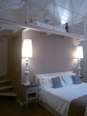 Bedroom & Mezzanine Floor - Picture of Mantatelure, Lecce ...