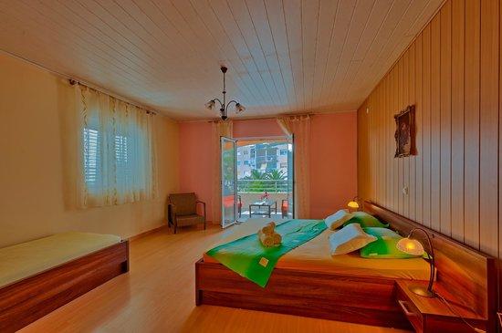Apartments Komazin: Sunce bedroom hdr