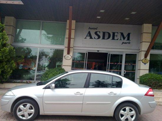 Asdem Park Hotel : Вход в отель