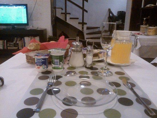 Halvat Guesthouse: breakfast