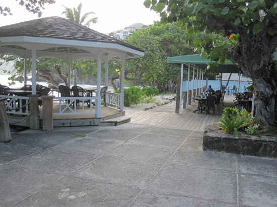 Long Bay Beach Club: Restaurant