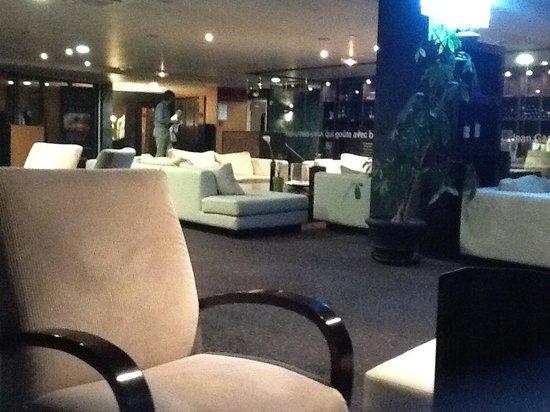 Quality Suites Bordeaux Aeroport : Bar