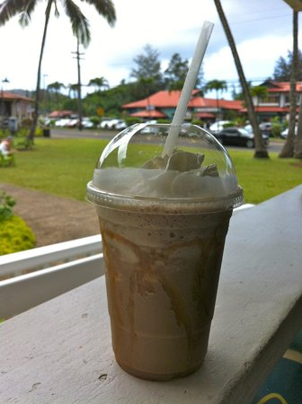 Hanalei Coffee Roasters: View from the lanai.