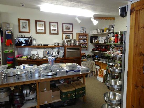 Ballymaloe House Restaurant: Part of the shop
