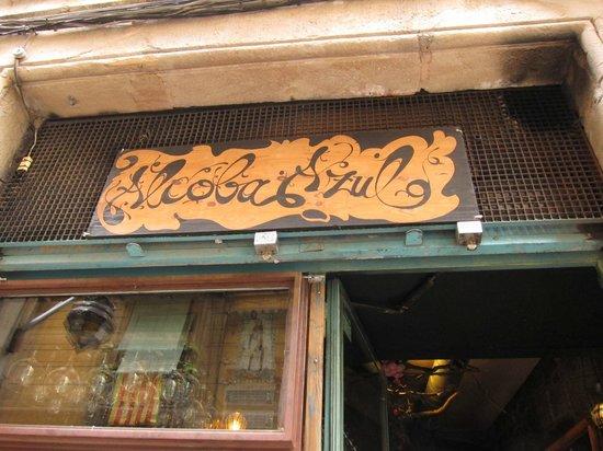 La Alcoba Azul: Shop front/ signage