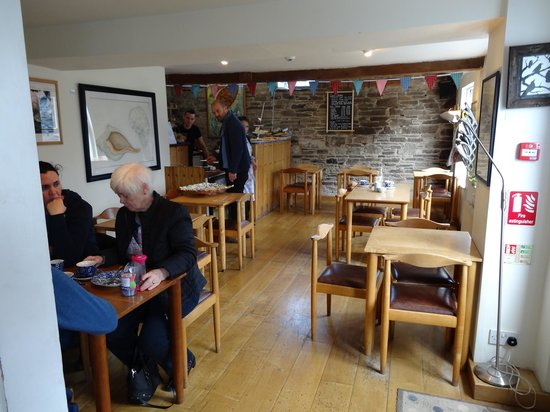 Ballymaloe House Restaurant: The cafe in the shop building is another dining option