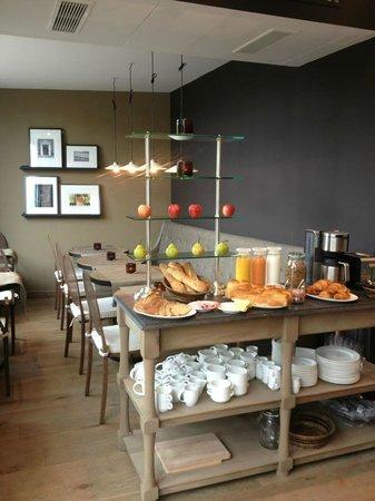 Les Terres Blanches Hotel : Salle de petit déjeuner