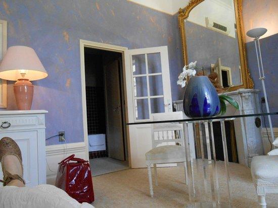 Chateau de Nieuil: prise de notre lit
