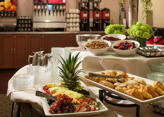 The Four Points by Sheraton Norwood Hotel & Conference Center: Break Service