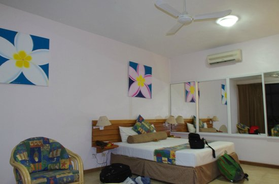 "Anchorage Beach Resort : ""Mountain view"" room, with ocean views"