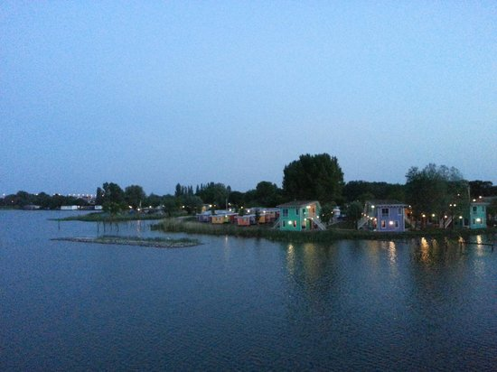 Camping Zeeburg: A view from the bridge