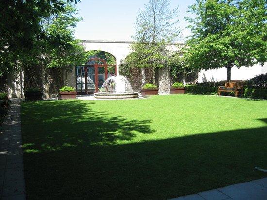 InterContinental Dublin: Garden of Tranquility.