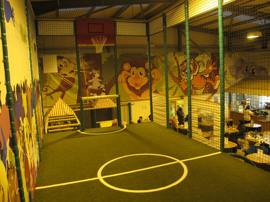 Jungle Madness Soft Play: Sports Area for Football and Basketball