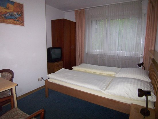 Hotel Diplomat: Our room