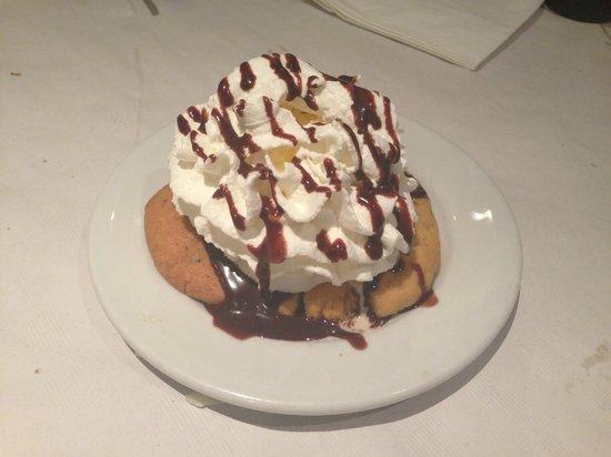 Alfredo's Barbacoa : Cookie gigante con nata y chocolate