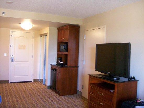 Hilton Garden Inn Florence : Mini Refrigerator and Microwave/Coffee & TV in Room.