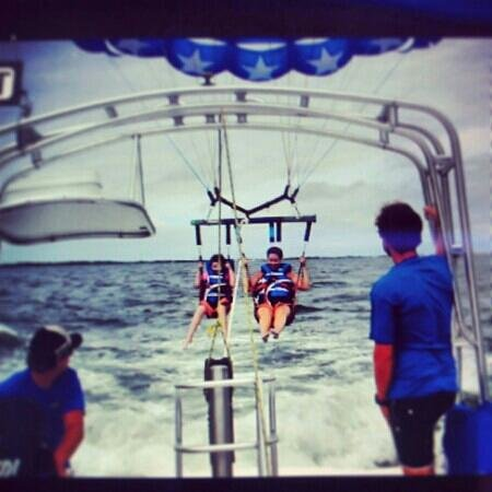 Dockside Watersports & Parasailing : going up!