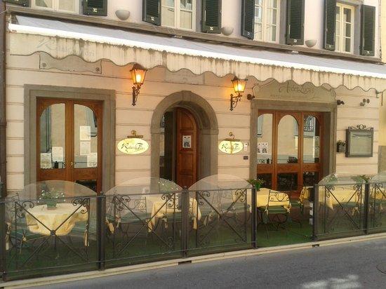 Relais dei Fiori: Entrada&Restaurante