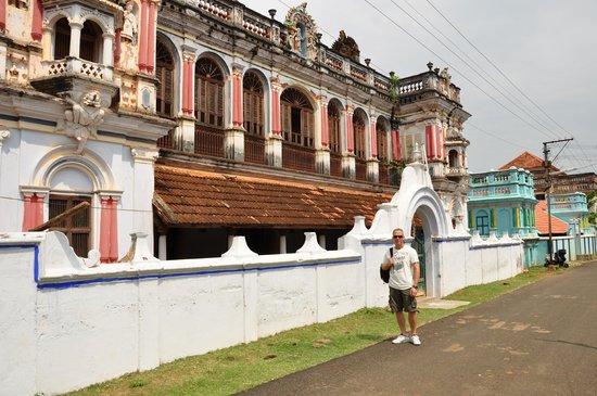 Chettiar Mansion : exterior de una mansión