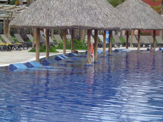 Barcelo Bavaro Beach - Adults Only: Easy and clean access pool
