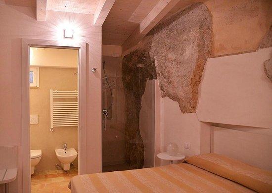 Doccia a vista in camera - Foto di Il Belvedere, Matera - TripAdvisor
