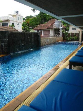 Baramee Resortel: piscine