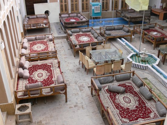 Yazd Traditional Hotel: Cortile hotel