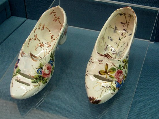 Civico Museo Sartorio : Le scarpette