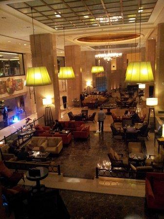 Sheraton Amman Al Nabil Hotel: Part of the hotel lobby area