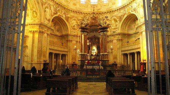 Santuario della Nativita di Maria: Altare