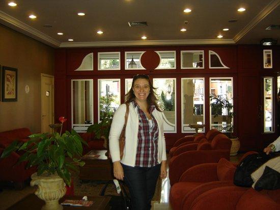 Transamerica Prime Batel: Flor en el lobby del hotel