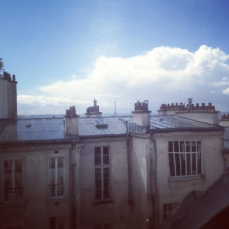 "Hotel Particulier Montmartre: The ""panoramic"" view of Paris from the room"