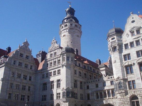 New Town Hall (Neues Rathaus): neues rathaus - veduta piazza