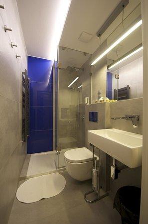 WawaBed - Warsaw Bed and Breakfast: Bath room nr 10