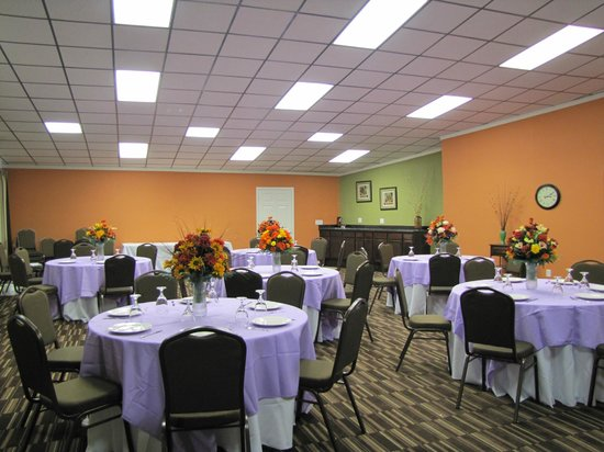 Baymont Inn & Suites Chocowinity/Washington : Banquet Room