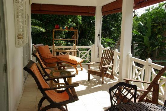 Le domaine de Bacova: verandah of villa