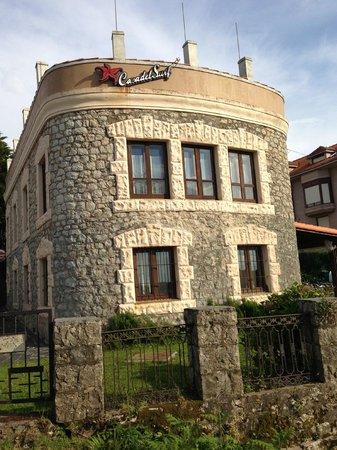 Casa del Surf: fachada del hotel