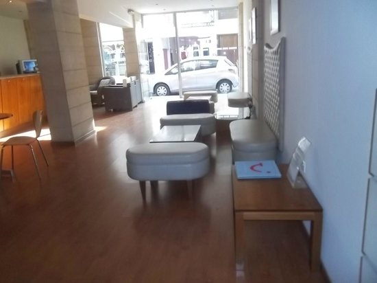 Petrou Bros Hotel Apartments: reception area