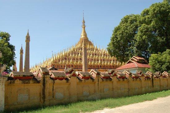 Thanboddhay Pagoda: desde fuera del muro