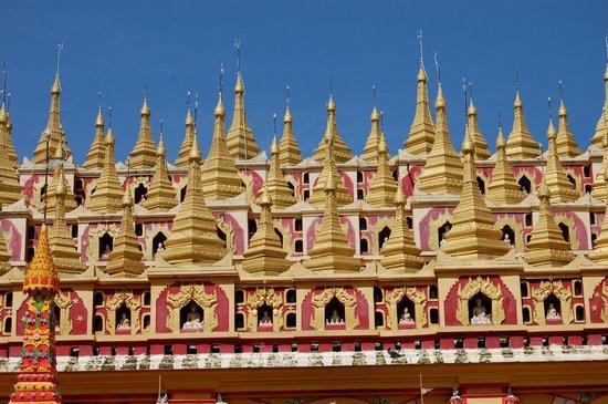 Thanboddhay Pagoda: detalle del exterior