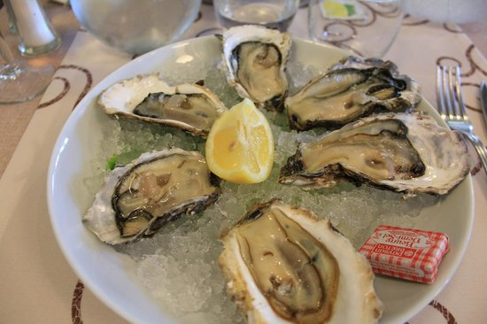 Le Cafe du Commerce : Oysters